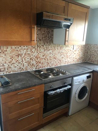 Thumbnail Flat to rent in Lynn Road, Newbury Park