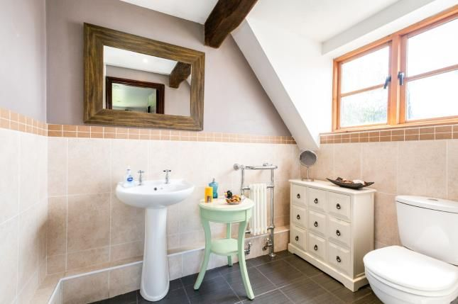 Cloakroom of Kingsingfield Road, West Kingsdown, Sevenoaks, Kent TN15