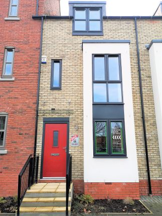 Thumbnail Town house to rent in Blanket Row, Hull