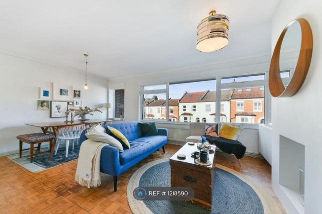 2 bed maisonette to rent in Natal Road, London SW16