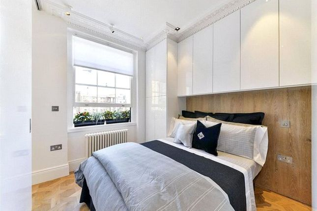 Bedroom of Ovington Garden, Knightsbridge, London SW3