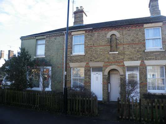 2 bed terraced house to rent in Church Street, Werrington, Peterborough