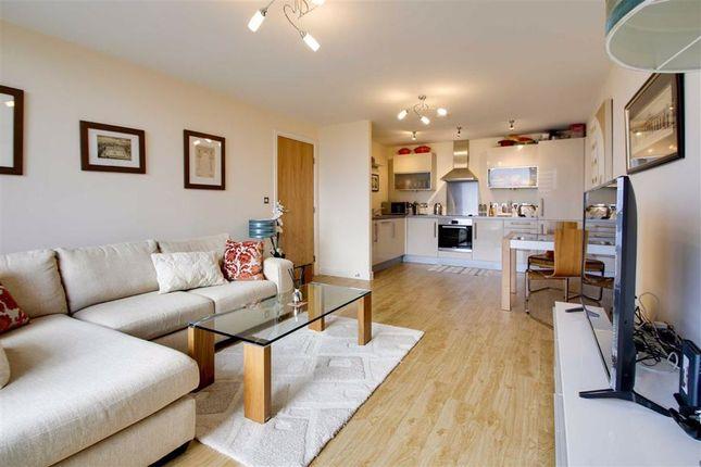 Thumbnail Flat to rent in Topaz House, Milton Keynes, Milton Keynes, Bucks