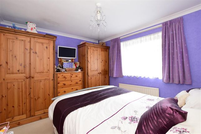 Thumbnail Town house for sale in Ladyshot, Harlow, Essex