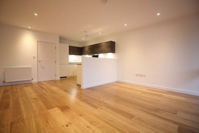 Thumbnail Flat to rent in St Bernards Gate, Southall