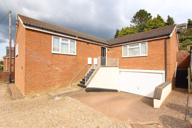 Thumbnail Bungalow to rent in Chandler Place, Heath And Reach, Leighton Buzzard