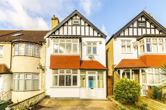 5 bed semi-detached house to rent in Mount Ephraim Lane, London
