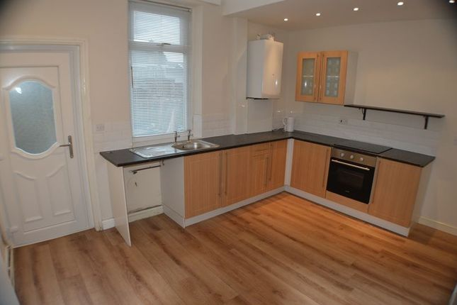 Thumbnail Terraced house to rent in Woolley Lane, Hollingworth, Hyde