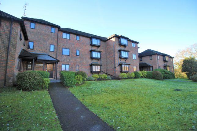 2 bed flat for sale in Holm Court, Twycross Road, Godalming, Surrey GU7