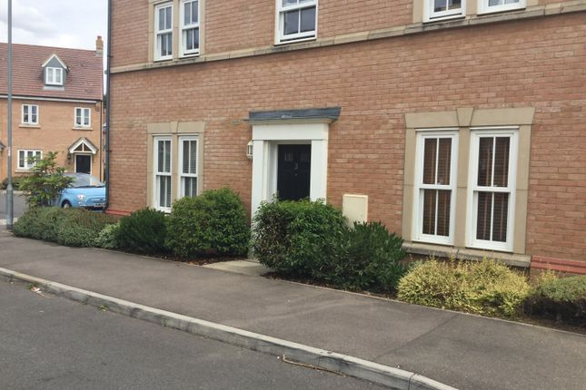 Thumbnail Flat to rent in Exmoor Avenue, Biggleswade