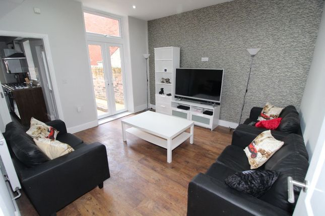 Thumbnail Terraced house to rent in Kenmure Place, Preston, Lancashire