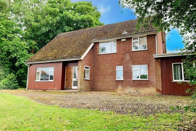 4 bed property for sale in Long Stratton, Norwich NR15