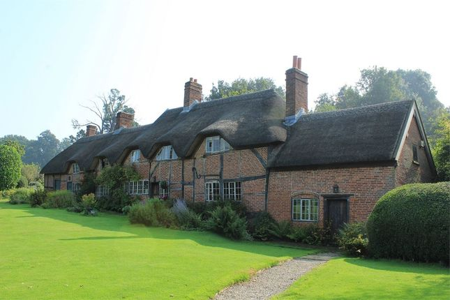 Thumbnail Cottage for sale in Motslow Hill, Stoneleigh, Coventry