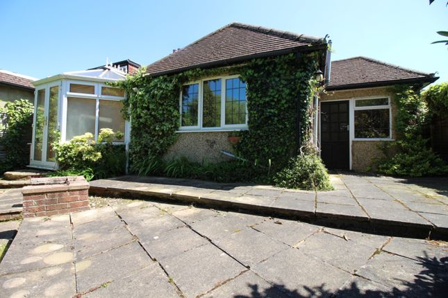 Thumbnail Bungalow for sale in Kingsmead, Cuffley