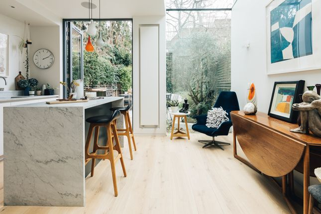Thumbnail Town house to rent in Harmood Street, London