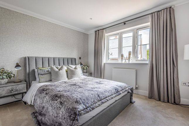 Bedroom of Updown Hill, Windlesham GU20