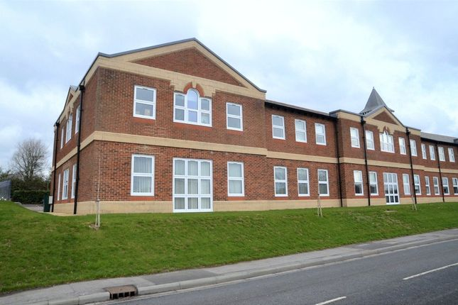 Thumbnail 1 bed flat for sale in Clerewater Place, Thatcham, Berkshire