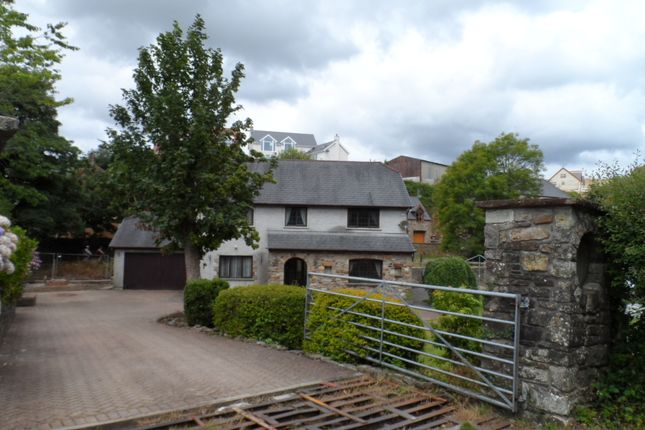 Thumbnail Detached house to rent in Abergarw Road, Brynmenyn
