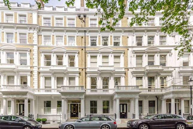 Thumbnail Flat for sale in Courtfield Gardens, South Kensington