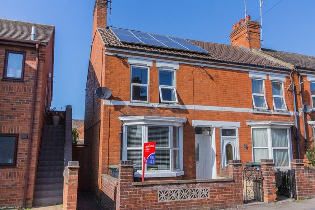 3 bed end terrace house to rent in Portland Road, Rushden NN10