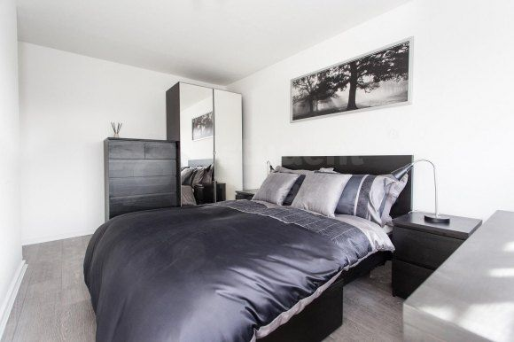 3 bed shared accommodation to rent in Barrie Road, Farnham, Surrey GU9