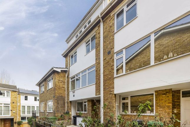 Property to rent in Meadowbank, London