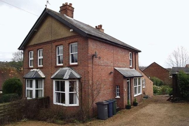 Thumbnail Cottage to rent in Chapel Lane, High Wycombe