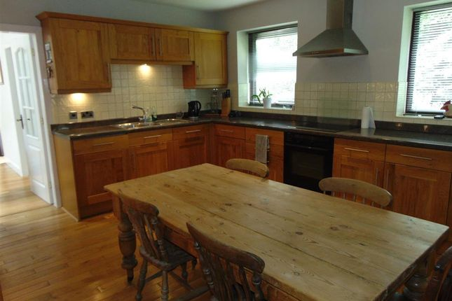 4 bed bungalow to rent in Tivy Dale, Cawthorne, Barnsley S75