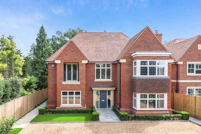 Thumbnail Detached house for sale in Gregories Farm Lane, Beaconsfield