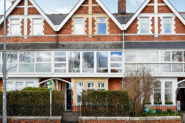 Thumbnail Terraced house for sale in The Parade, Barry