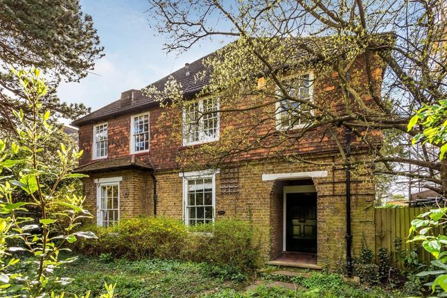 Thumbnail Detached house for sale in Park Hill, Carshalton