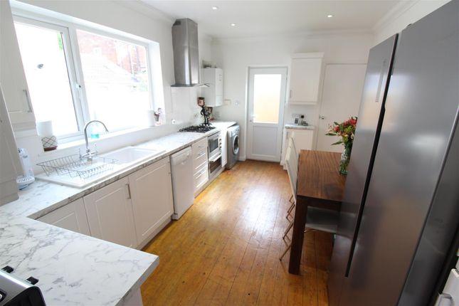 Kitchen of Clumber Street, Hull HU5