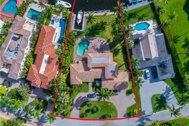 6 bed property for sale in 268 S Parkway, Golden Beach, Fl, 33160