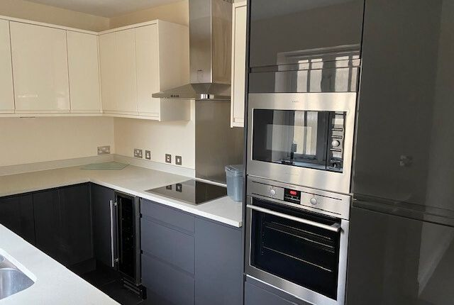 Thumbnail Flat to rent in New London Road, Chelmsford