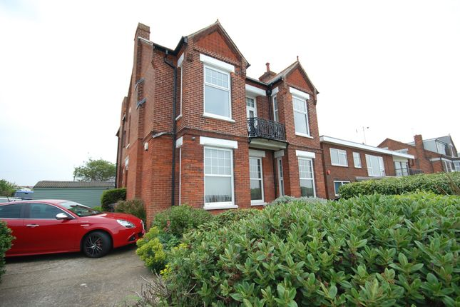 Thumbnail Flat to rent in Marine Parade, Whitstable, Kent