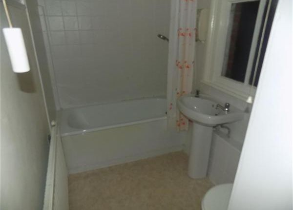 1 bed flat to rent in Waverley Road, Sefton Park, Liverpool