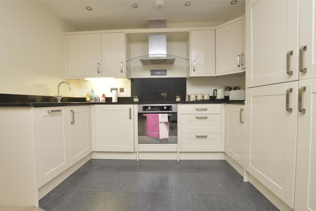 Thumbnail Flat to rent in St. Marys Lane, Upminster