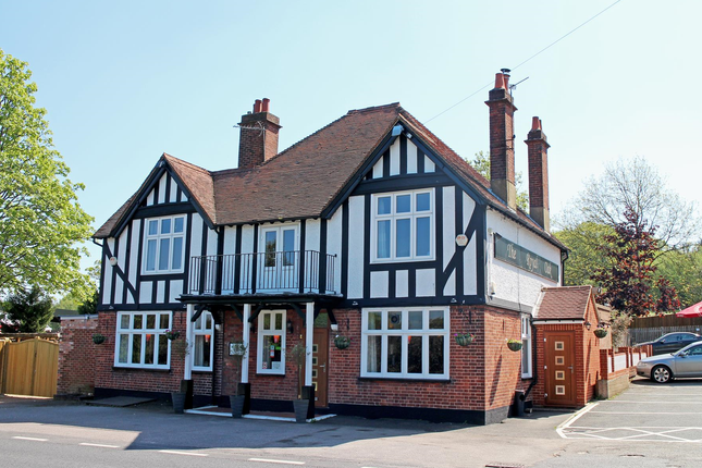 Thumbnail Pub/bar for sale in East Sussex - Substantial Roadside Pub TN5, Flimwell, East Sussex