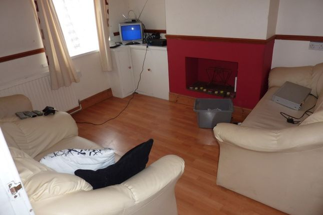 Thumbnail Terraced house to rent in Liverpool Road, Luton