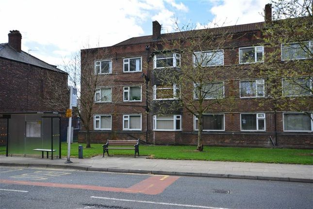 2 bed flat to rent in Park Hill, Bury Old Road, Prestwich, Manchester