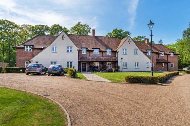 Thumbnail Flat for sale in Frenchlands Gate, East Horsley, Leatherhead