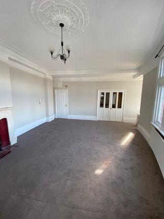 Studio to rent in Studio Flat, The Salisbury Hotel, Grand Parade, Green Lanes N4