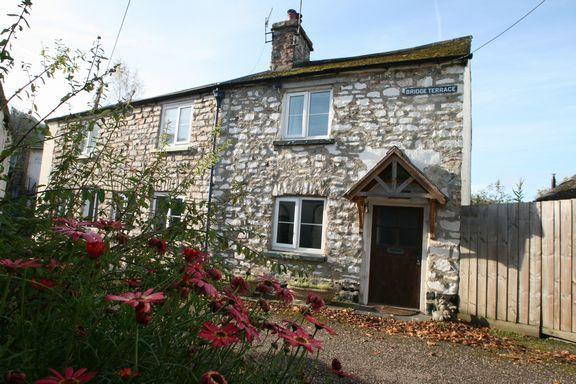 Thumbnail Cottage for sale in Bridge Terrace, Bampton, Tiverton