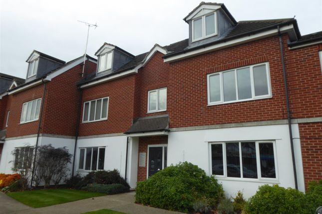 Thumbnail Flat to rent in Hotham Road South, Hull