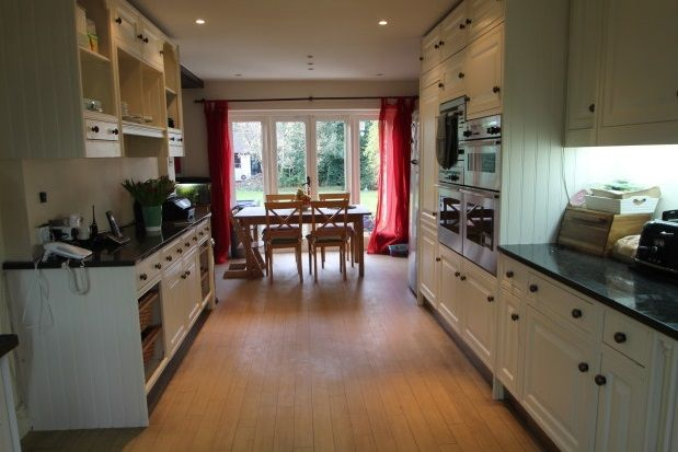 5 bed detached house to rent in Great Woodcote Park, Purley