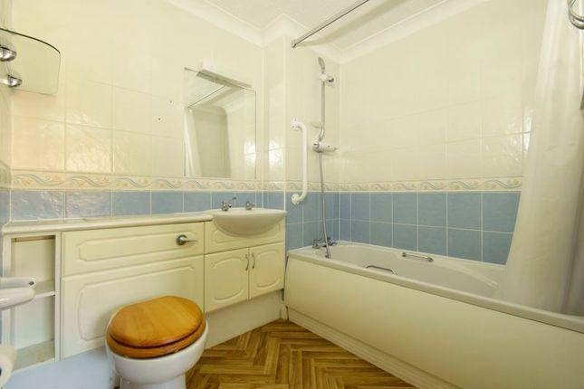 Bathroom of Stafford Road, Caterham CR3