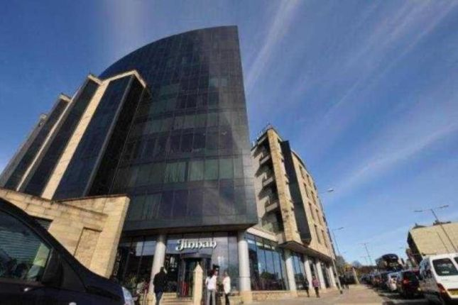 2 bed flat to rent in The Gatehaus, Leeds Road, Bradford, West Yorkshire BD1