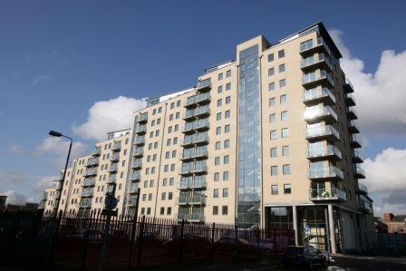 2 bed flat to rent in Wellwood Street, Belfast BT12