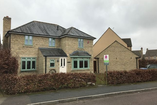Thumbnail Property to rent in Century Close, Cirencester
