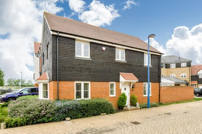 Thumbnail Property for sale in Bluewater Quay, Wixams, Bedford, Bedfordshire